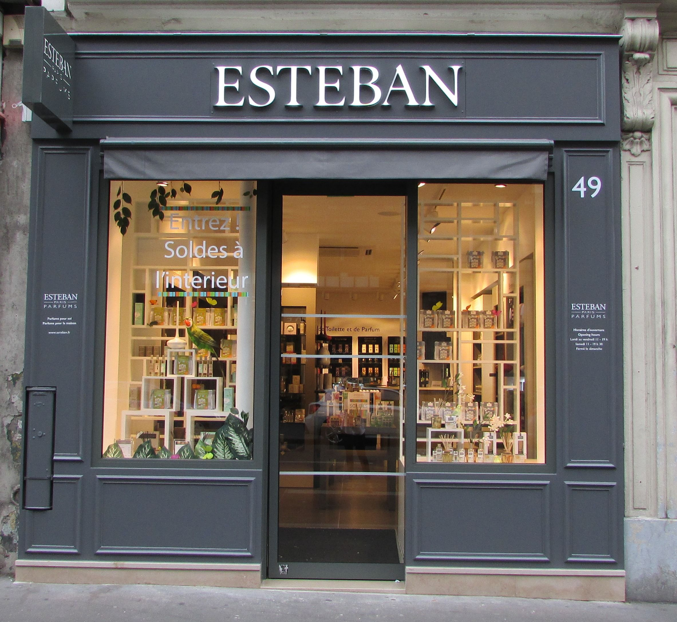 Boutique Esteban Paris 49 Rue De Rennes Quartier Saint