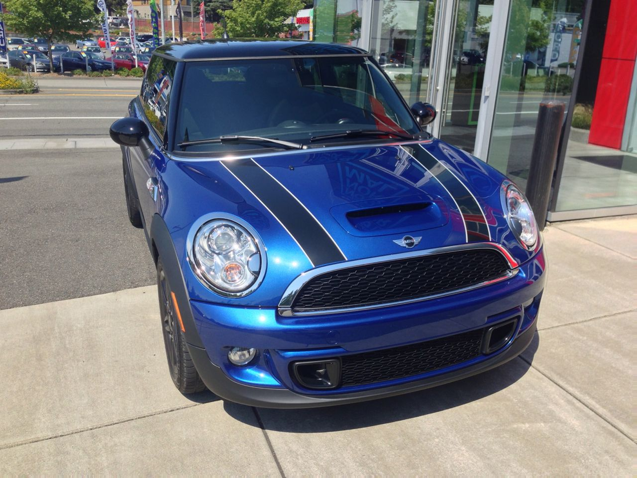 Mini Cooper S Hardtop Lightning Blue Metallic Blue Mini Cooper Mini Cooper Hardtop Mini Cooper
