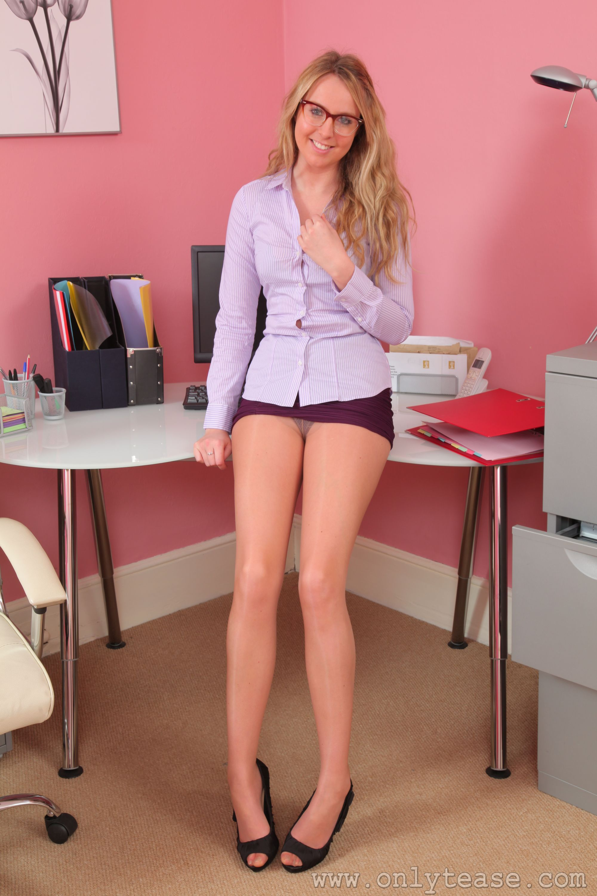 Grand Mini skirt legs pantyhose blew