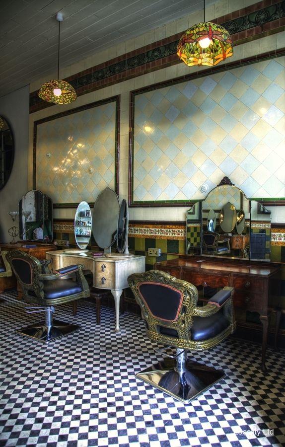 Hairdressing salon with vintage feel peckham london for Kappers wastafel