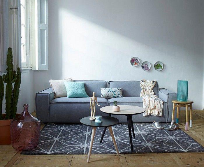 grijze bank met donker vloerkleed | ideeën voor het huis, Deco ideeën