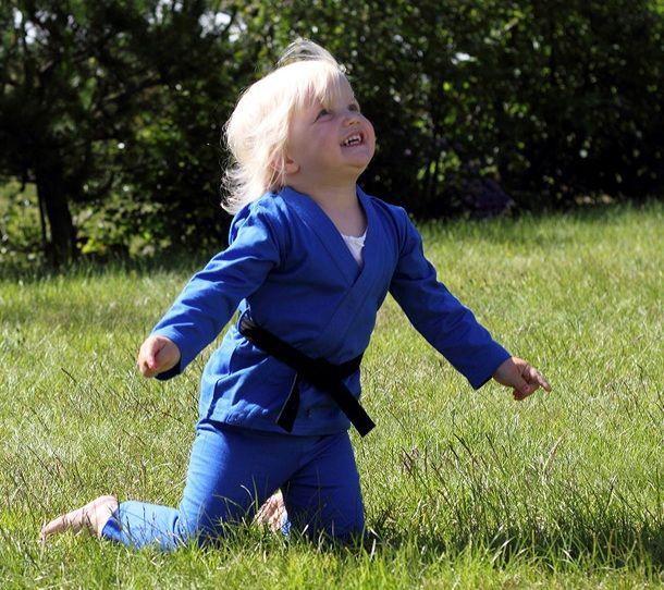 Baby_gi_baby_grappling_kids_karate_judo_gi_toddler