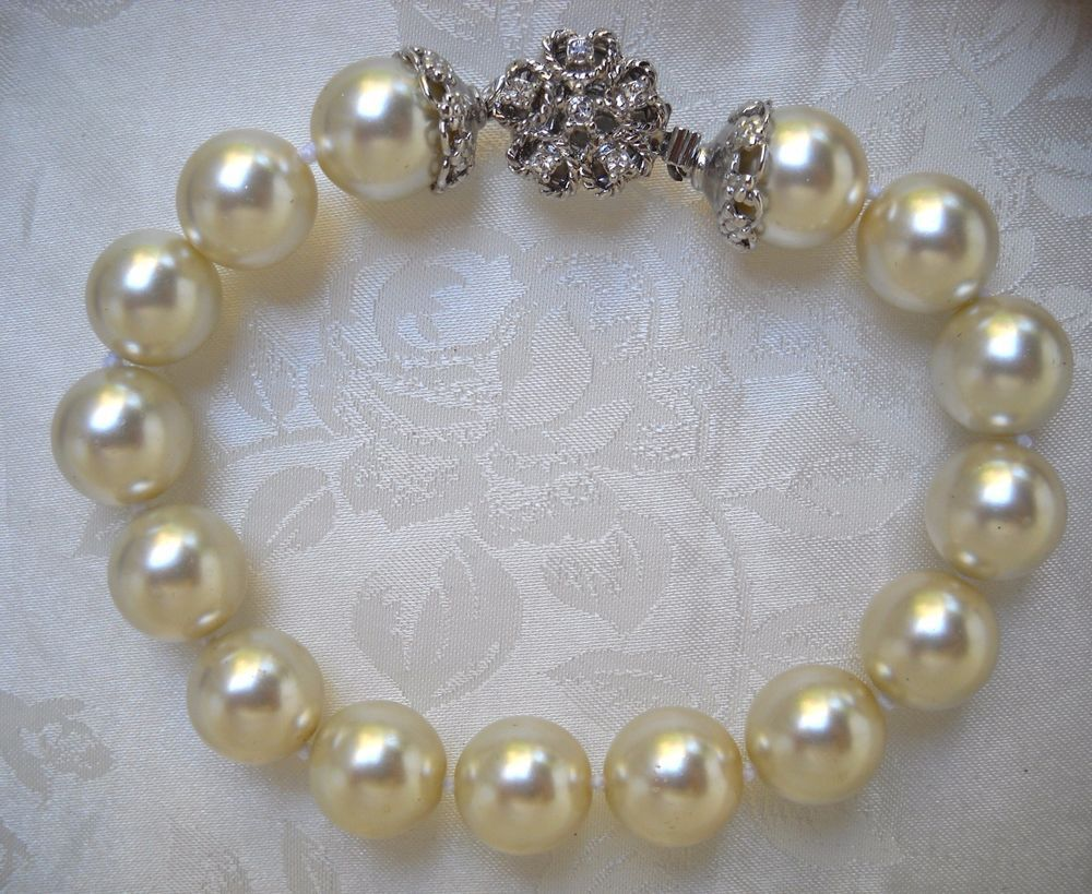 Wedding sale one strand mm white majorcamallorca pearl bracelet