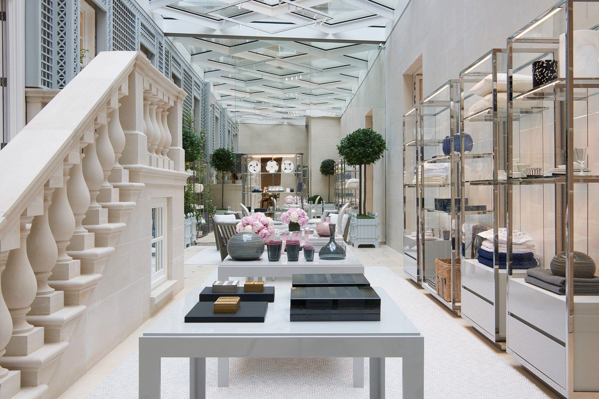 Dior s Bond Street London- A New Opening   For home   Boutique ... 8c9e23e12e7