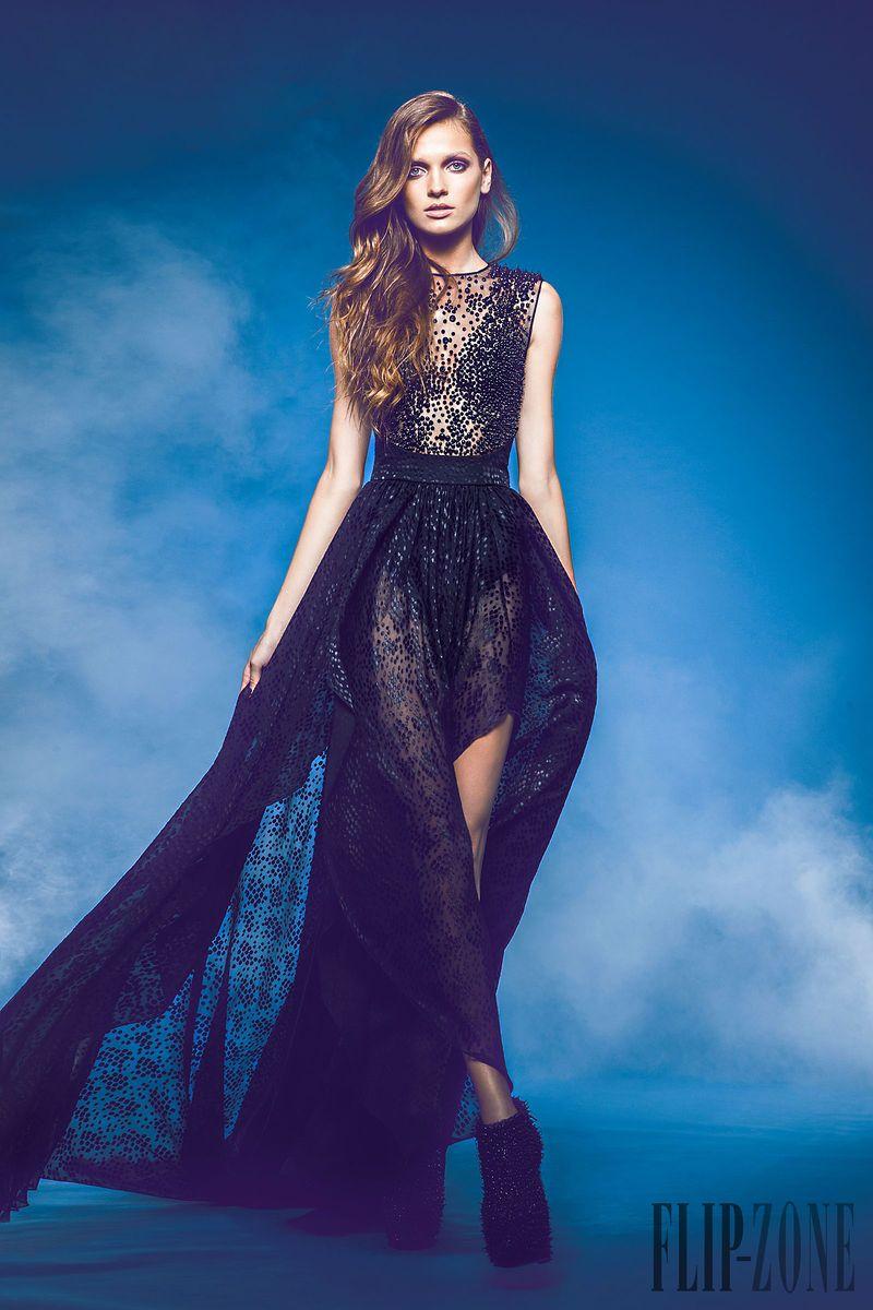 Jean Louis Sabaji - Alta Costura - Otoño-Invierno 2013-2014 - http://es.flip-zone.com/fashion/couture-1/independant-designers/jean-louis-sabaji-4244
