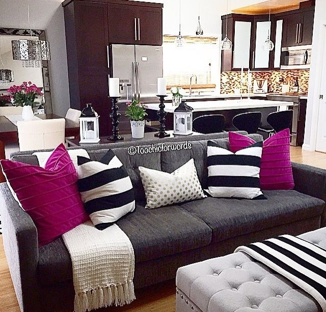 Purple Black And White Living Room: The Chic Technique: Gray, Black, White And Hot Pink Living