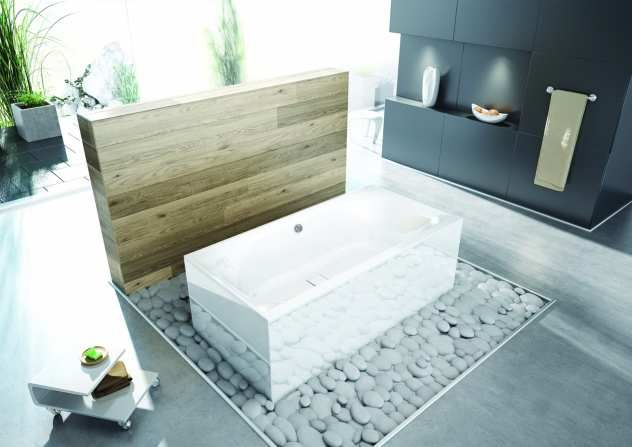 Freistehende Badewanne   Thasos Im Badezimmer Mit Holzwand