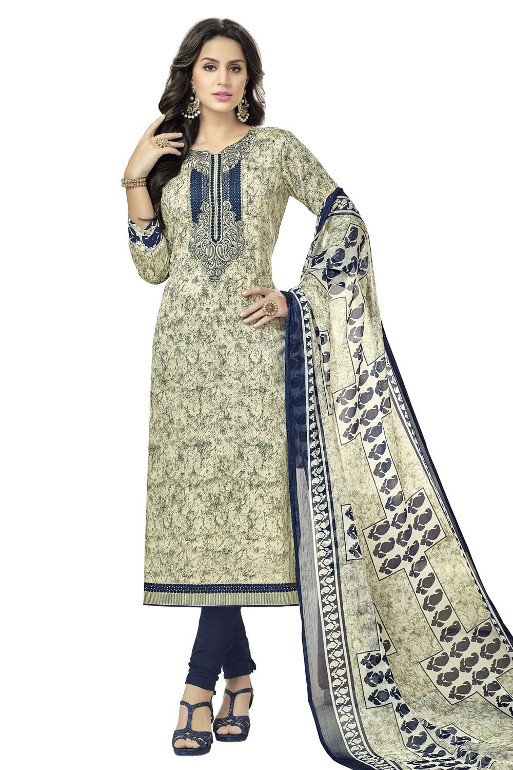 Now discover the new style of fashion by wearing stunning ethnic