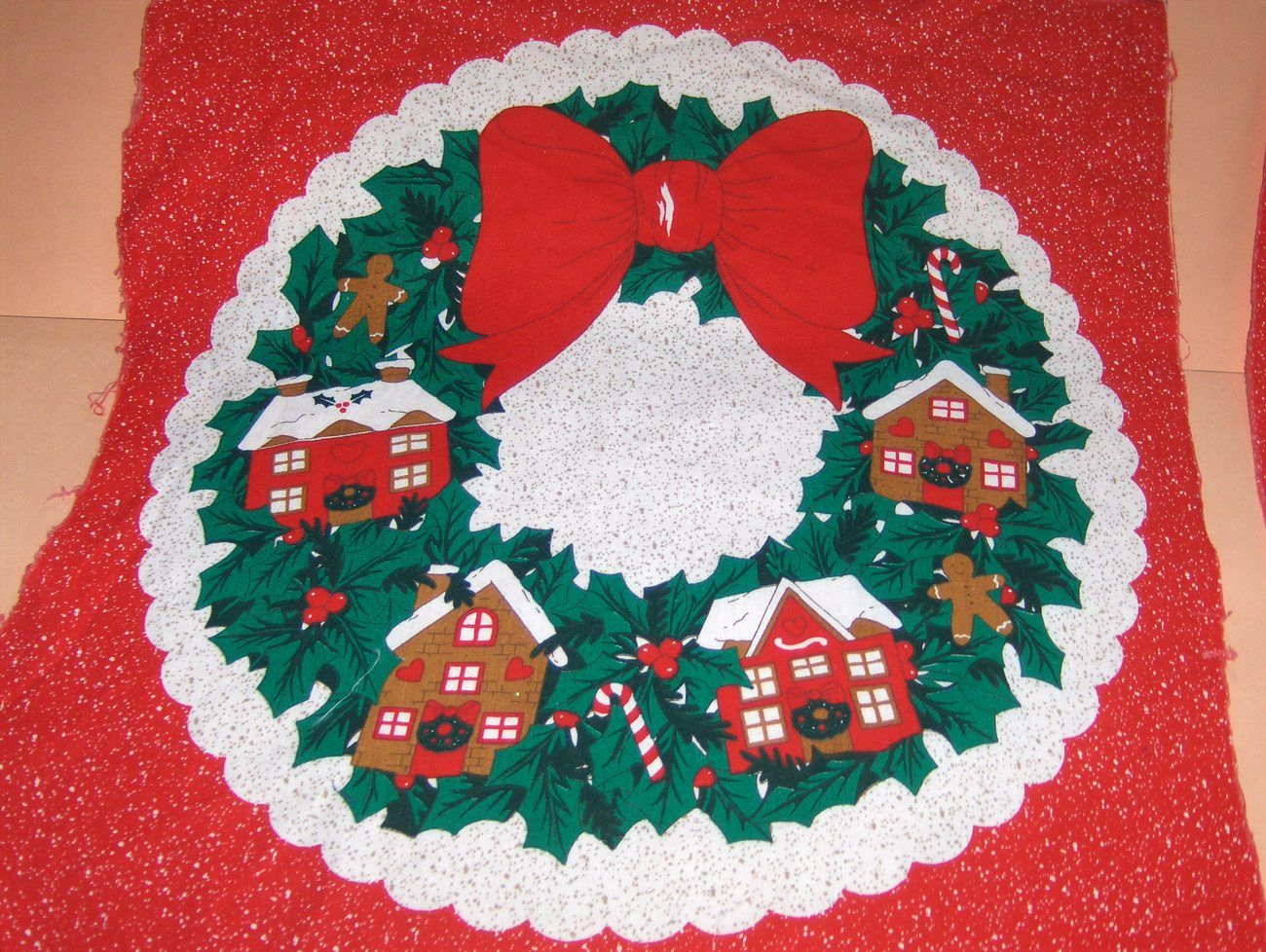Red Fabric Applique Wreath or Pillow Panel