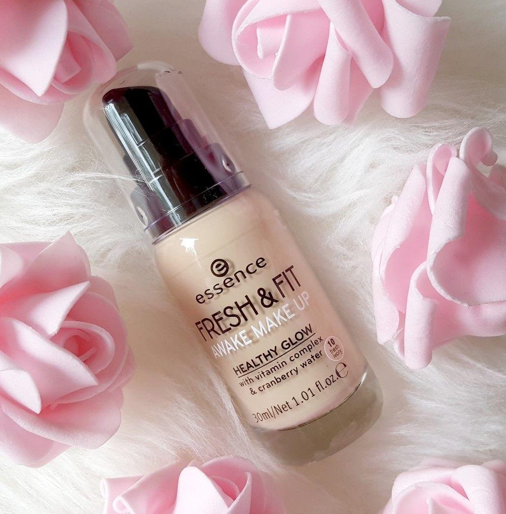 d3295207e Confetti On The Blog: Essence Fresh & Fit Awake Make Up | Review &  Tragebilder