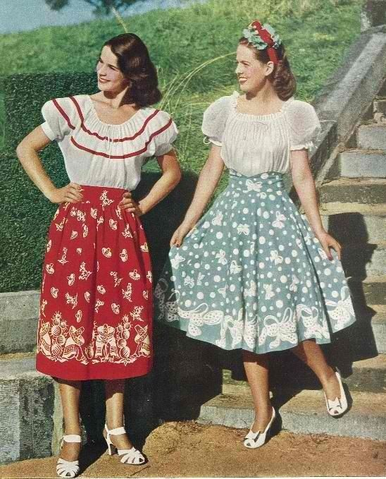 1940s Peasant Skirts And Blouses 1940s Fashion 1940s Outfits Fashion