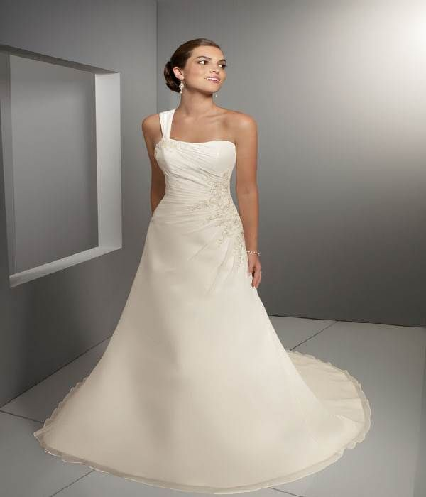 Wedding Dresses For Petite Women | Women Dress Ideas