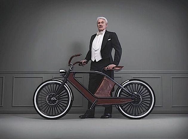 Dieses Fahrrad hat wirklich ein ganz spezielles Design und wirkt, als hätte es gerade eine Zeitreise hinter sich. Tatsächlich ist es aber brandneu. Gerade hatte es seinen ersten Auftritt auf der Mailänder Designwoche. Das tolle Design verdanken wir Luca Sc