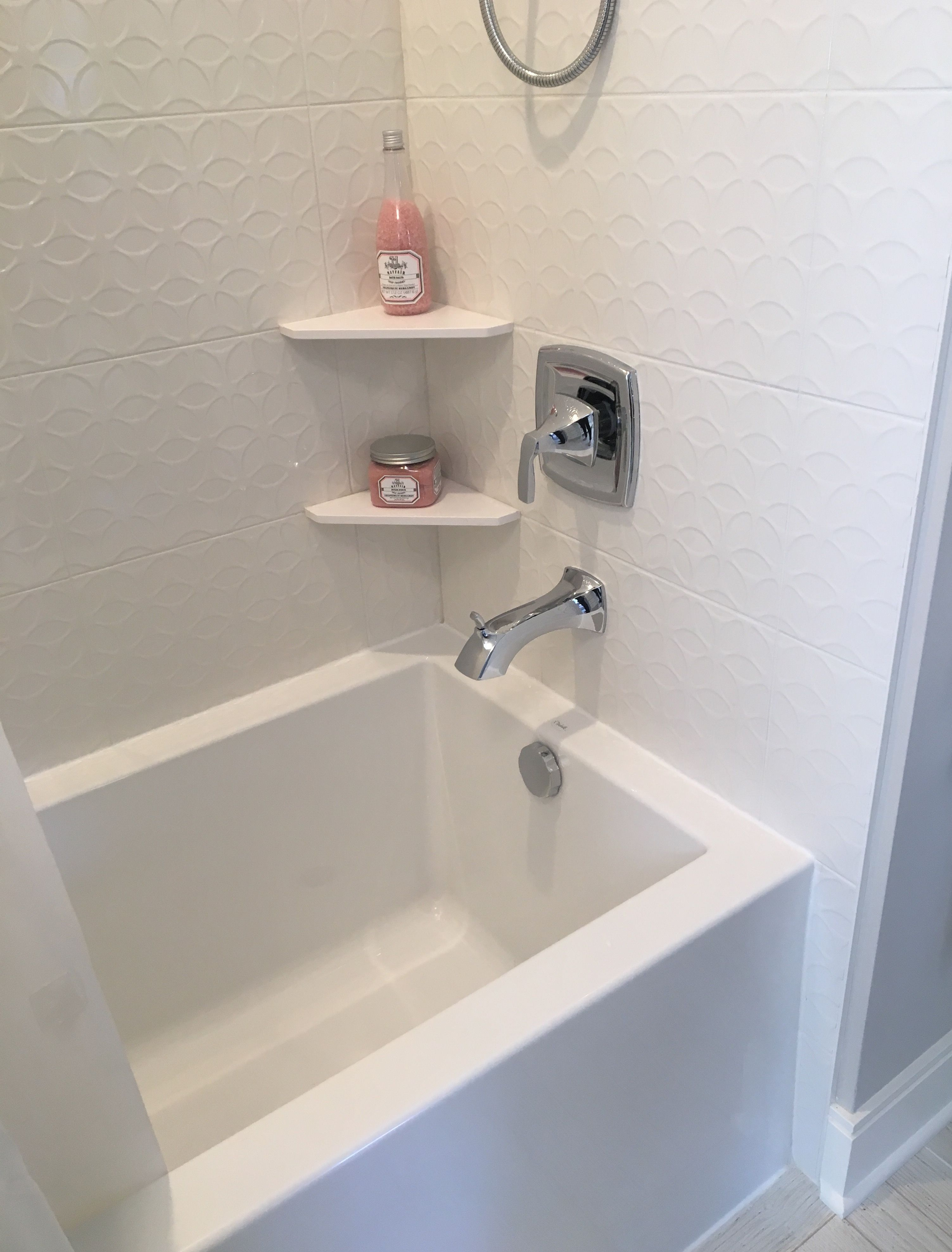 Square bathtub edge + tile and trim transition on wall | Bathroom ...
