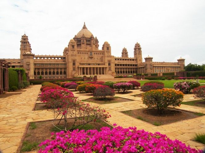 he last of the greatest palaces built in India, The Umaid Bhawan Palace is located in the heritage city, Jodhpur.