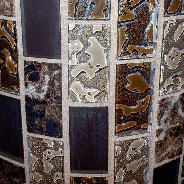 Texture of the day  #texture #textureoftheday #tiles #tilebing #design #decor #pattern #interiordesign #photooftheday #texturebing #themomo