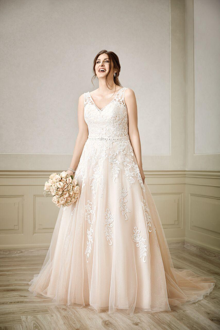 Très Chic Miss Emily | Brautmode, Kleid hochzeit, Brautkleid