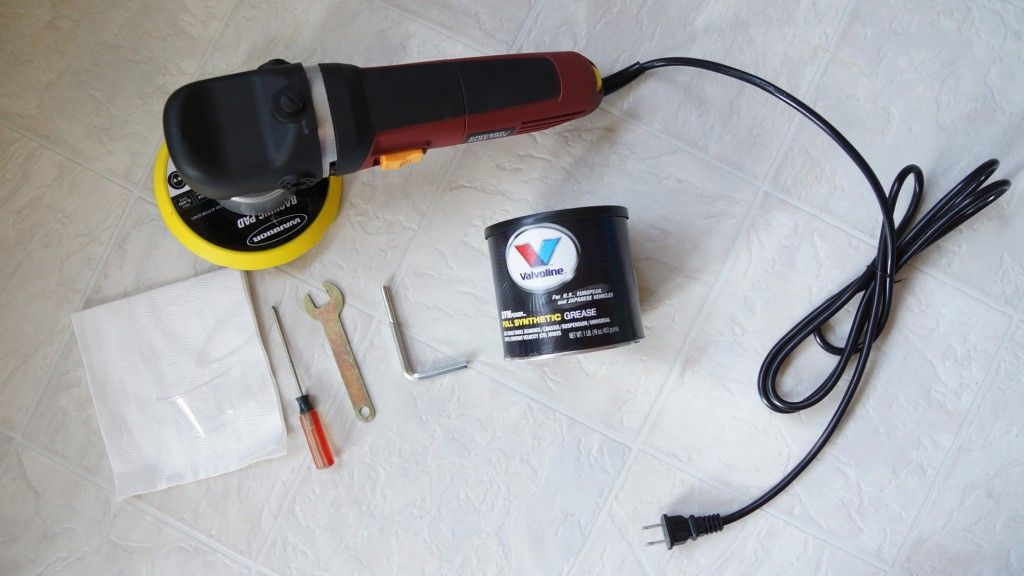I bought myself a DA Polisher from Harbor Freight the