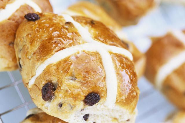 Recipes for Hot Cross Buns: Step by Step Hot Cross Buns