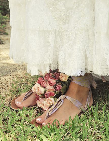 59429f97b9f57c pretty vintage lace paired with lavender sseko sandals ...