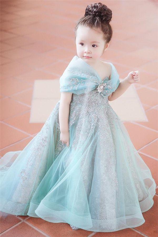 a910240c375026a Cadie dễ thương, xinh đẹp trong bộ đồ công chúa Elsa. (Ảnh: Internet ...