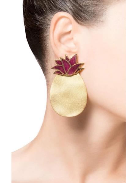 silhouette_jewelryA little bit of summer even in the winter! silhouette_jewelry#silhouette_jewelry #silhouette #handmade #jewelry #statement #musthave #earrings #pineapples #georgiandesigners ma_ga_london_Check us out we reckon you'll like our stuff. handmade_from_georgia