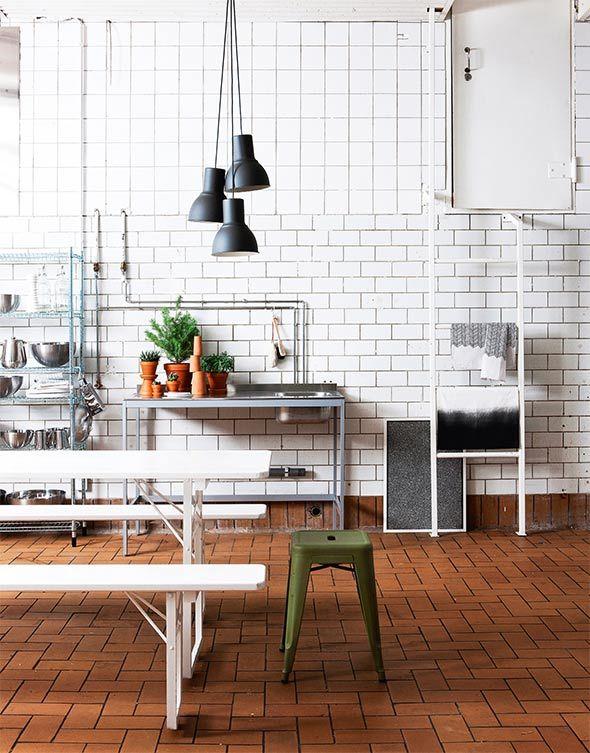 Industrial style kitchen Udden console, Omar grate shelf, Hektar