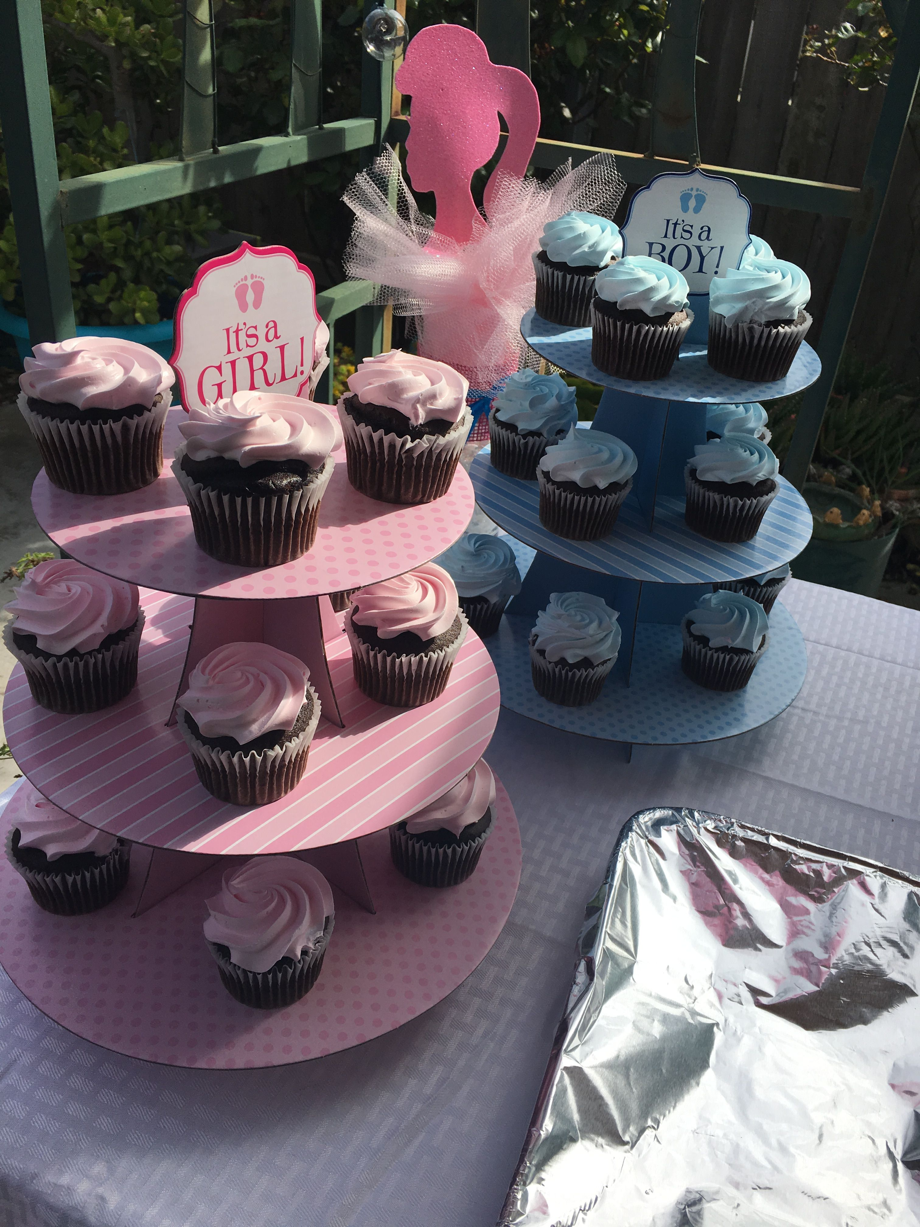 Blue And Pink Cupcakes Cupcakes Stands Are From Hobby Lobby Cupcakes From Our Supermarket Gender Reveal Cupcakes Cupcake Stand Baby Gender Reveal