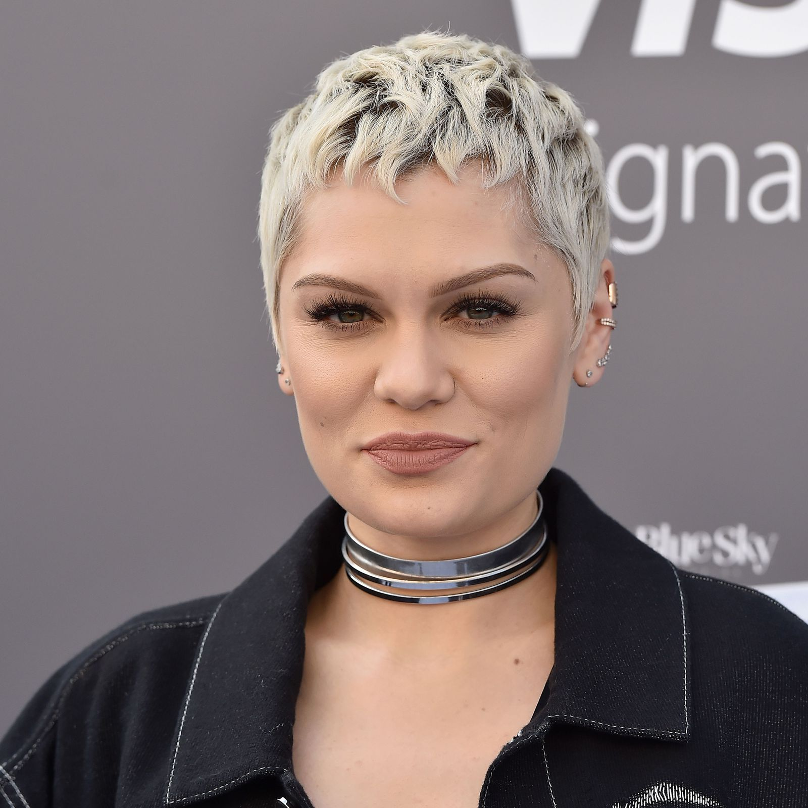 cute short hairstylesuand how to pull them off jessie j