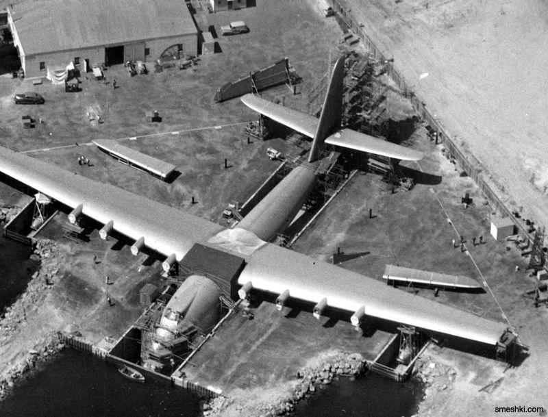 Най-големият плаващ дървен самолет