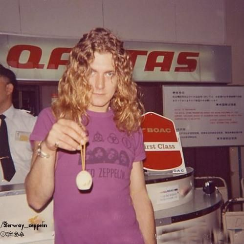 Robert Plant wearing an extremely cool Led Zeppelin shirt!!