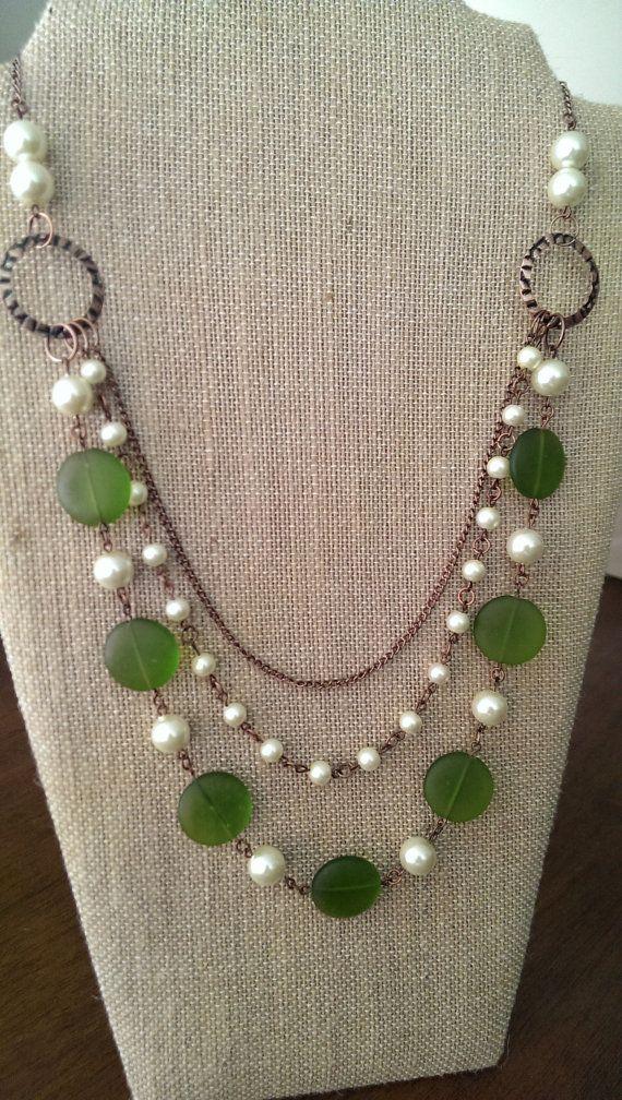 collier vert et perle multirangs fait main par truenorthbyellie necklaces pinterest. Black Bedroom Furniture Sets. Home Design Ideas