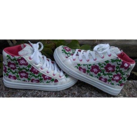 #zapatillaspintadasamano #zapatillasniñas #zapatillasdeflores #pinturaentela #talentox2moda #botaspintadas #pinturasobretela #calzado #botaspintadas #flores #kids #boots #originalesbotas