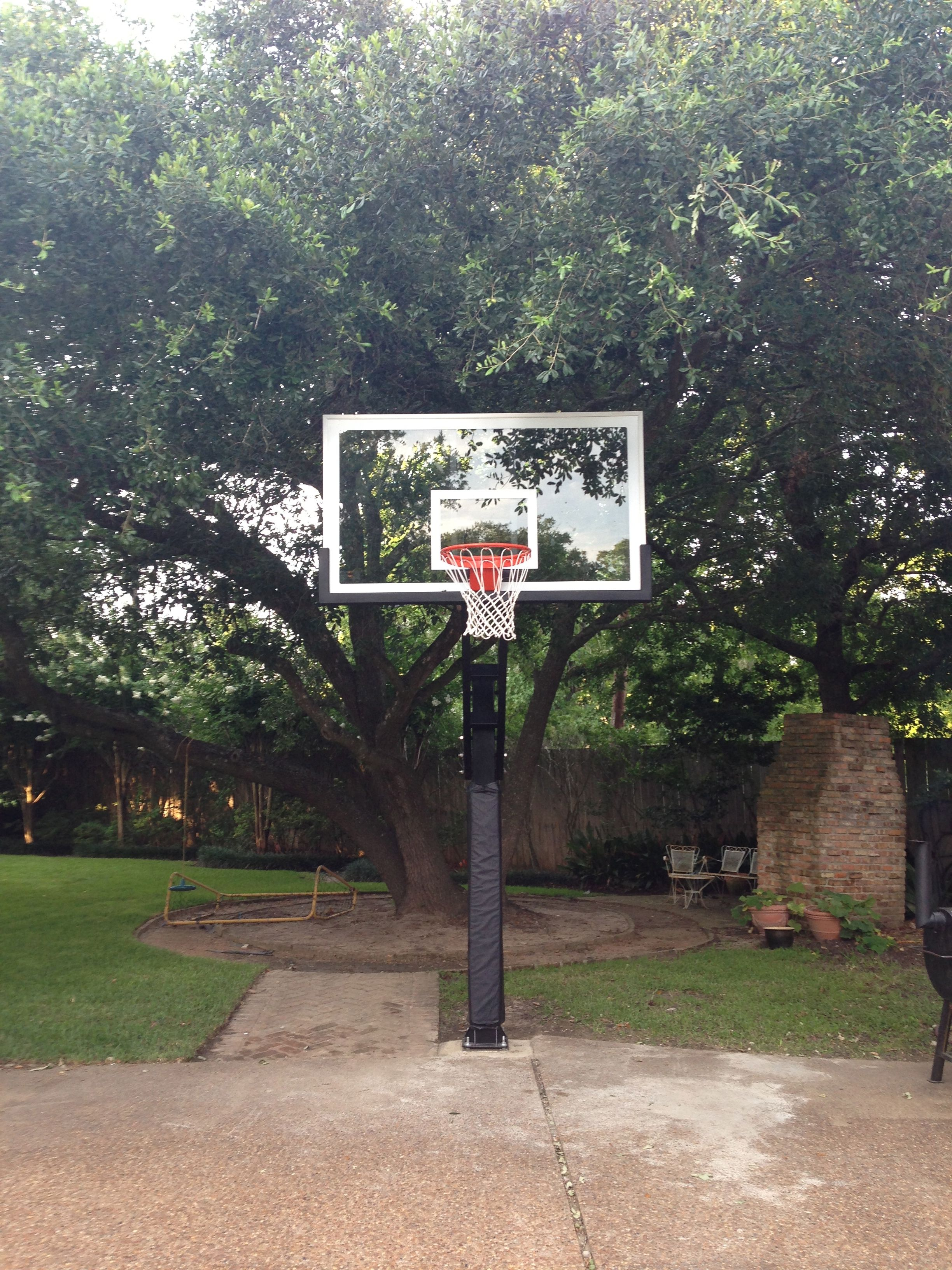 This Front Shot Shows The Pro Dunk Platinum Basketball System At Full Extension It Has Been Installed Neatly Next To Texas Driveway