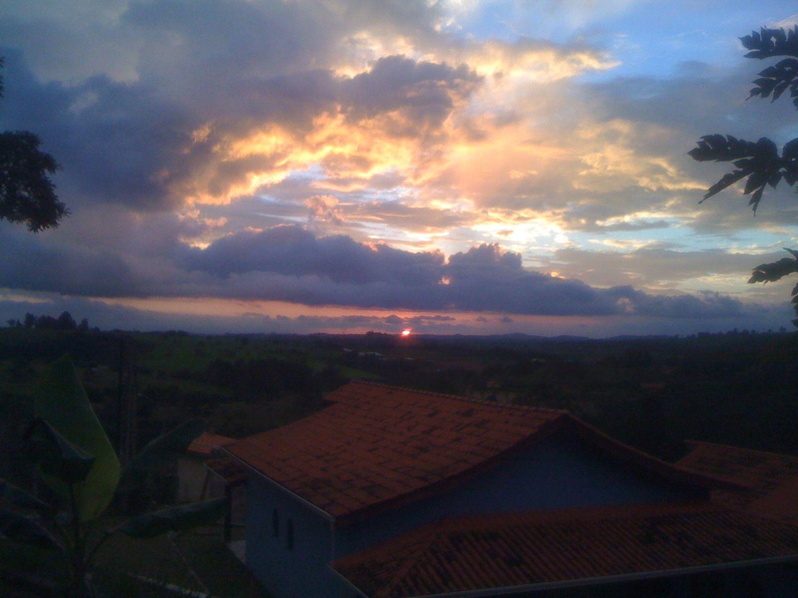 Belo por do sol em Minas Gerais - Brasil