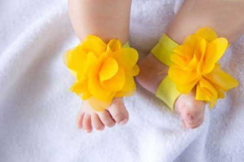 ff41050e4ed44d 1 pair 0-12M Baby Barefoot Shoes Flowers Feet Ring Infant Sandals Decoration