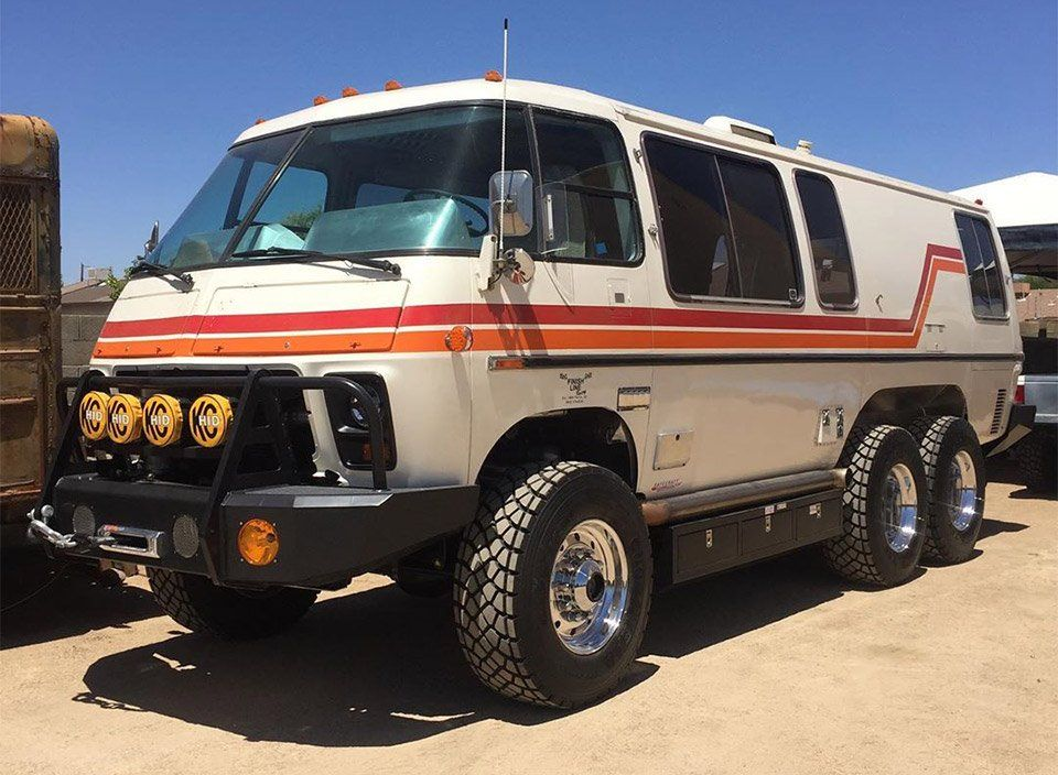 This Lifted Gmc Motorhome Is Completely Bonkers Gmc Motorhome Overland Vehicles Overland Gear