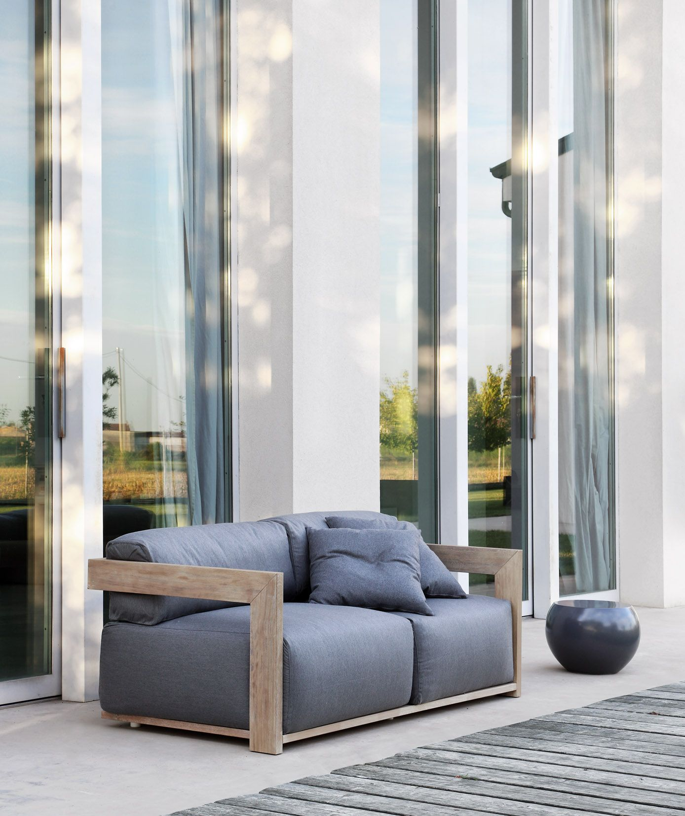 MERIDIANI I Cloud sofa I Bongo low table Furniture