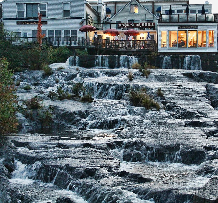 Places To Visit North East Coast England: Marriner's Grill Camden, Maine Best Place To Eat In The
