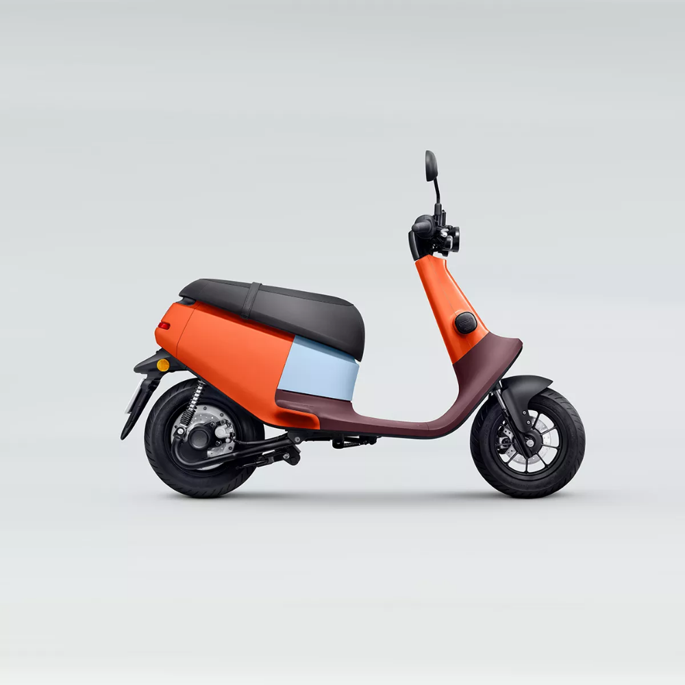 Gogoro S New Electric Scooter Is A Cute City Commuter Electric Scooter Design Electric Scooter Electric Cars