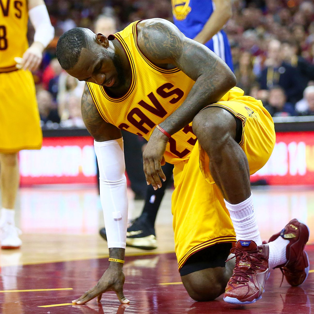 Cautious Cavs Lebron Gets Injection In Back Lebron James Sports Pictures Lebron