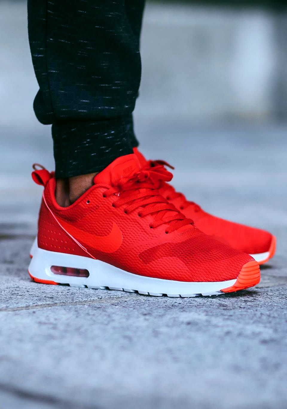 d8292cbde6f2 Nike Air Max Tavas  University Red  (via Kicks-daily.com)