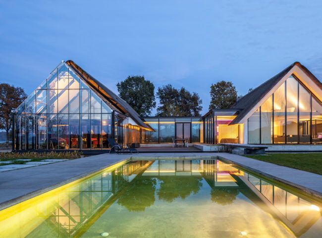 Haus Mit Viel Glas Exterieur Naturpool Beleuchtung Hausideen In