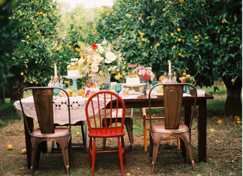 love the mismatched chairs and lace tablecloth i heart shabby chic shabby chic
