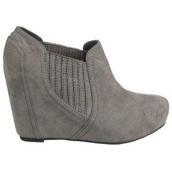 Boots, Chukka boots, Famous footwear