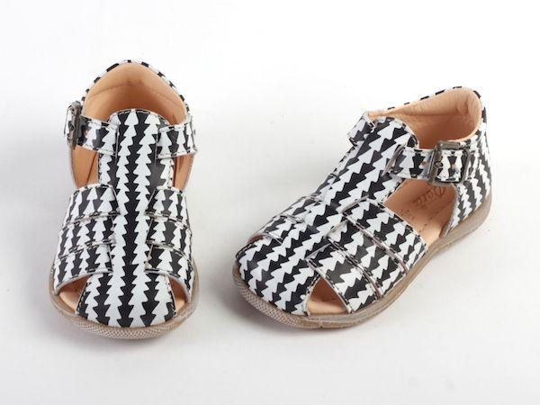 Italiaanse Kinderschoenen.Hippe Kindersandalen Van Het Italiaanse Kinderschoenen Merk Ocra