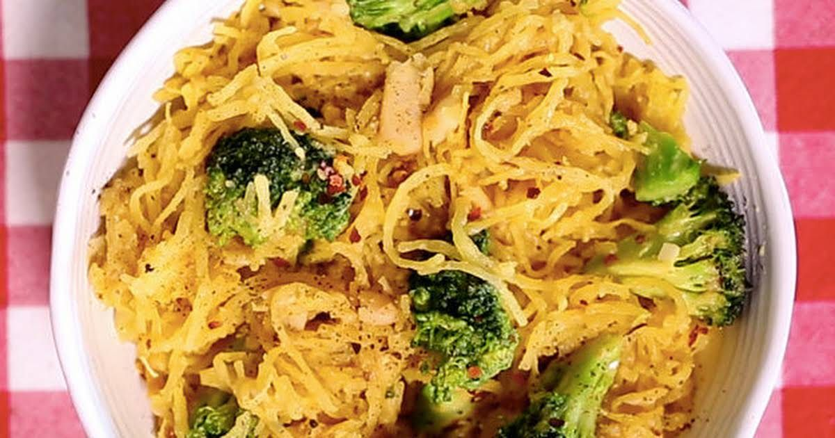 Cheezy Vegan Spaghetti Squash With Broccoli And Garlic Recipe Yummly Recipe In 2020 Vegan Spaghetti Vegan Spaghetti Squash Vegan Dinners