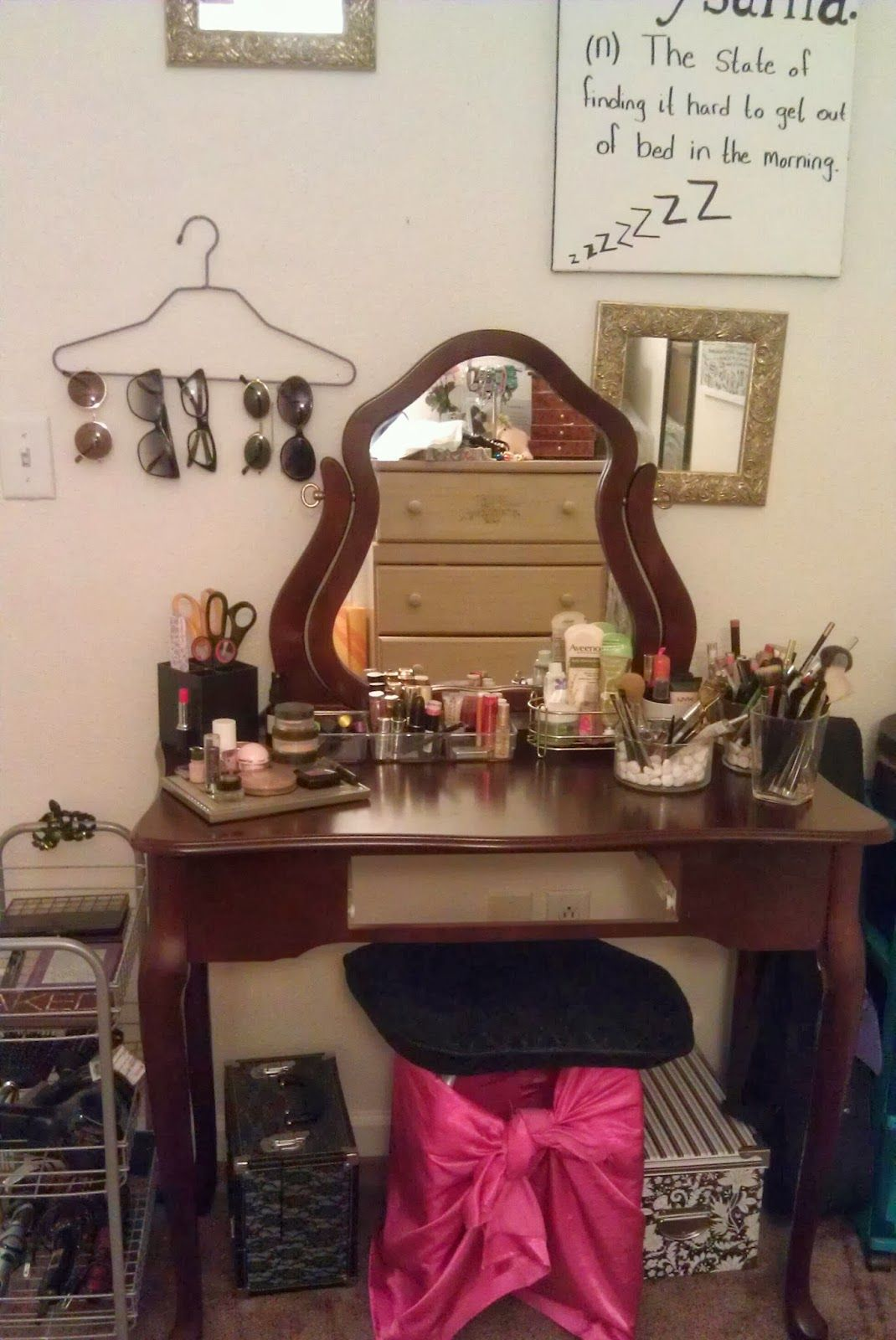 How to Organize Your Vanity makeup organization