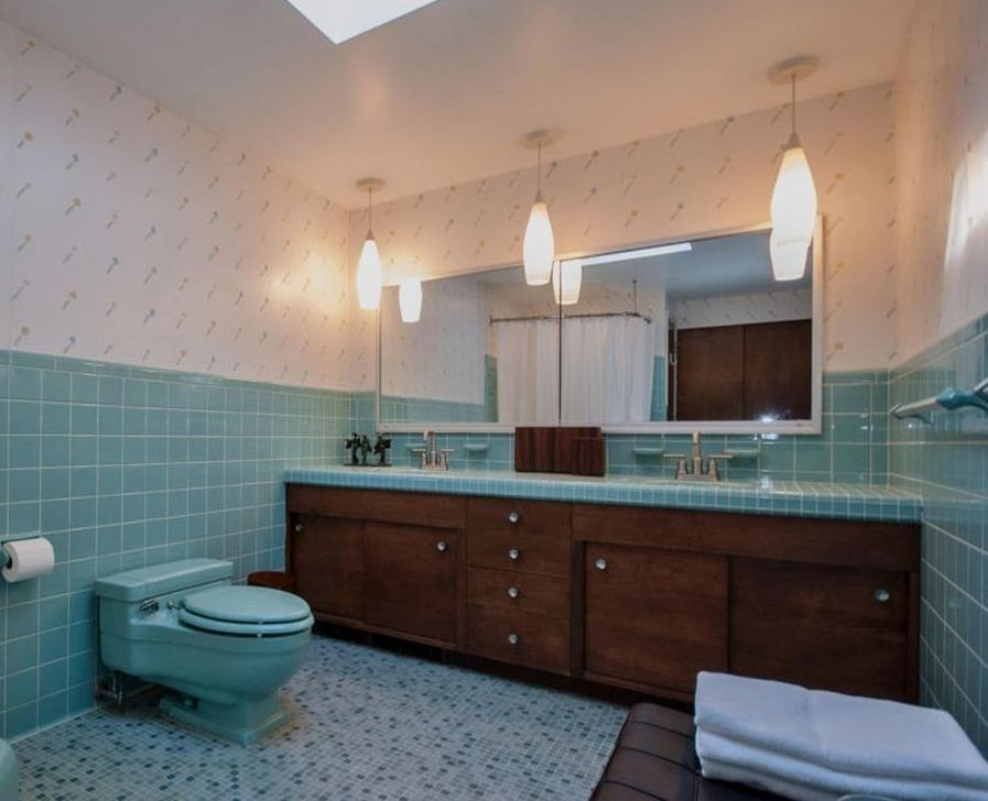 99 Gorgeous Mid Century Bathroom Lighting Ideas Mid Century Modern Bathroom Modern Bathroom Mid Century Bathroom