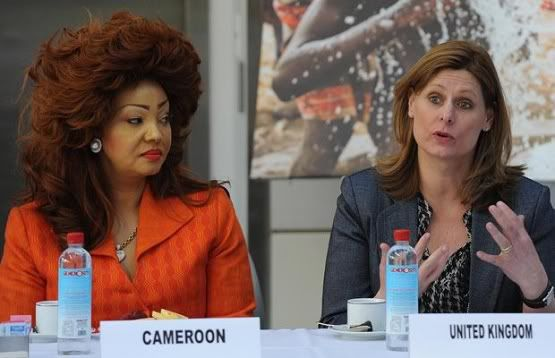 Between the hair and the side-eyes, Mrs Cameroon rocks!